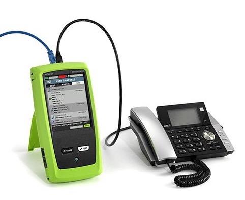 Netscout Onetouch AT angeschlossen an ein Telefon